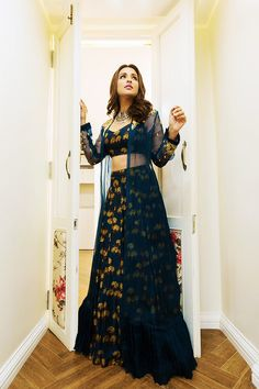 Take cues on how to do Indian wear right from Parineeti Chopra. Party Wear Indian Dresses, Designer Party Wear Dresses, Indian Gowns Dresses, Dress Indian Style, Indian Fashion Dresses, Indian Wedding Outfits, Indian Designer Outfits, Indian Outfits, Party Dresses