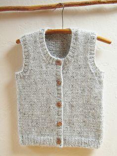 Calidez Vest - A classic vest for women, men, teens & kids. Calidez Vest is a unisex vest, knit bottom up with sea - Free Knitting Patterns For Women, Knitting For Kids, Knitting Designs, Kids Vest, Knit Vest Pattern, Baby Sweaters, Knit Crochet, Ravelry, Men Scarf
