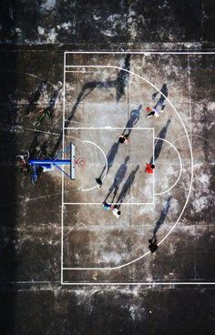 Graphic influences - KUNRONG CHEN People play tennis in the shadow while the sun is strong. Street Basketball, Basketball Is Life, Basketball Posters, Basketball Workouts, Basketball Skills, Best Basketball Shoes, Basketball Pictures, Basketball Uniforms, College Basketball