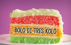 Deze bekende Antilliaanse 3 kleurentaart is prachtig om te zien en heerlijk om te eten. Je maakt de bolo di tres koló natuurlijk met ons recept! Neapolitan Cake, Cake Recipes, Dessert Recipes, Tasty, Yummy Food, Latin Food, Cakes And More, Vanilla Cake, Bon Appetit