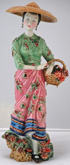 """Chinese Porcelain Figurin Statue"""" by Silk Road Collection Porcelain Jewelry, Porcelain Ceramics, Porcelain Doll, Painted Porcelain, Fine Porcelain, Chinese Dolls, Chinoiserie Chic, Asian Doll, Japanese Porcelain"""