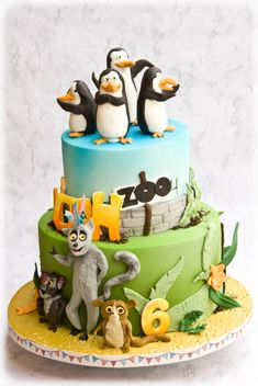 Madagascar penguins cake by Maria Schick