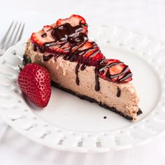 Recipe for strawberry chocolate cheesecake with chocolate sauce.
