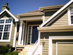 Painting gutters trim color and facia board body color - Paint Talk - Professional Painting Contractors Forum Painting Gutters, Gutter Colors, House Trim, Painting Contractors, Exterior Paint Colors, Trim Color, House Painting, Home Projects, Home Improvement