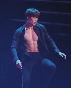 Jongin Baekhyun Chanyeol, Exo Kai Abs, Luhan And Kris, Rapper, Hot Korean Guys, Abs Boys, Surfer Boys, Kim Minseok, Billy Elliot