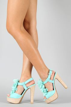 love the color :D i would wear heels if i could have that color.