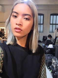 The Scene-Stealing Hair at Gucci Resort: Model Marga Esquivel's Silvery Gray Color