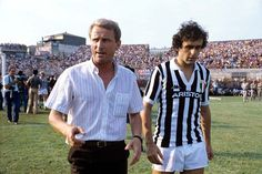Michel Platini during his Juventus days, circa Football Icon, World Football, Football Soccer, Michel Platini, Photos Vintage, Last Man, Juventus Fc, Sports Stars, Belle Photo