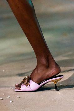 Womens Fashion Sneakers, Fashion Shoes, Milan Fashion, Fashion 2020, Spring Heels, Versace Shoes, Womens High Heels, Me Too Shoes, Shoe Boots
