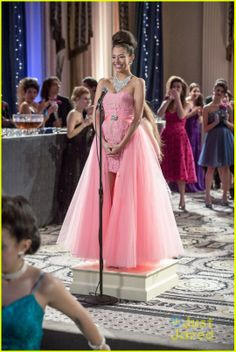 'The Carrie Diaries' Does Prom