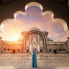 #malaysia #mosque Ettiğiniz duaların kabul olduğu günahların affolduğu bir ramazan gecesi olsun #Umredefark olarak hac ziyaretleri ve umre turları düzenliyoruz. Ayrıntılı bilgi için : www.umredefark.com  #allahuakbar #allah #mecca #allah #quran #allahuakbar #hayırlıcumalar #cuma #friday #dua #pray #mecca #medinah #allah #friday #cuma #namaz #amin #quran #followme #kuran #musluman #love #like