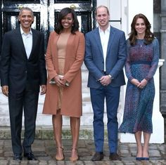 #POTUS #BarackObama #FLOTUS #MicheleObama The #Duchess of #Cambridge joined her husband #PrinceWilliam and brother-in-law #PrinceHarry to welcome #PresidentObama and the #FirstLady #MichelleObama to #KensingtonPalace this evening April 21, 2016 for #dinner It's been an eventful, whirlwind day for Mr. and Mrs. Obama, first having #lunch with the #Queen and #PrincePhilip, and then a meeting with David Cameron before a glamorous dinner with the royal trio. Kate chose a gorgeous silk dress by LK…