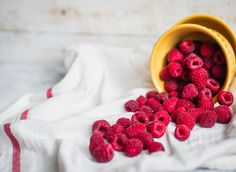 9 reasons to eat more raspberries + a delicious raspberry smoothie recipe