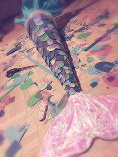 Meerjungfrauen-Flosse, Schultüte laurdiy diy back to school, aesthetic back to school, teachers going back to school Mothers Day Crafts For Kids, Diy Gifts For Kids, Crafts For Girls, Diy And Crafts, Paper Crafts, Kids Crafts, Wood Crafts, Schultüte Diy, Easy Diy