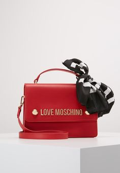 44a6dbb4574 30 Best Moschino bag images in 2017 | Moschino bag, Woman fashion ...