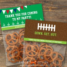 These Football Theme Birthday Gift or Favor Bag Toppers are the perfect way to gift or display your party favors! Football Treats, Football Gift, Table Football, Football Season, Cheer Party, Nfl Party, Sports Party, Party Fun, Party Time