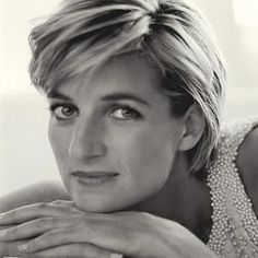 In the loving memory of Lady Diana Song: Candle in the wind (Goodbye Englands rose) By: Elton John Lyrics. Goodbye England's rose May you ever grow in our h. Lady Diana Spencer, Spencer Family, Princess Diana Photos, Princess Of Wales, Princess Diana Hairstyles, Real Princess, Prince Charles, Claude Dubois, Diana Haircut