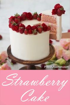 How to make a Strawberry Cake cake decorating ideas food tv asmr food cake tutor. Strawberry Cake Decorations, Strawberry Cakes, Strawberry Birthday Cake, White Strawberry, Chocolate Strawberry Cake, Cake Chocolate, Homemade Chocolate, Chocolate Desserts, Cake Decorating Videos