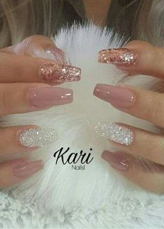 How to choose your fake nails? - My Nails Fancy Nails, Cute Nails, Pretty Nails, Best Acrylic Nails, Acrylic Nail Designs, Acrylic Nails With Glitter, Glittery Nails, Rose Gold Nails, Gel Nails