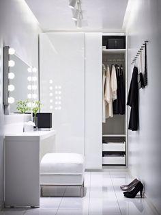 Practical Closet Lighting Ideas That Brighten Your Day #Chicago #homedesign #lightingideas