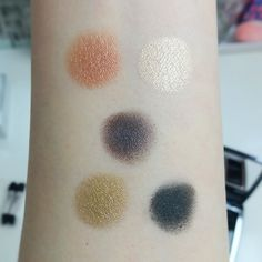 Dior 5 Couleurs Couture Eyeshadow Palette 579 Jungle | Lenallure Dior, Makeup Items, Color Stories, Laura Mercier, Green And Gold, Eyeshadow Palette, Mascara, Swatch, Color