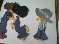 el pach es genial pues con pedacitos de ropas viejas haces estas preciosas figuritas