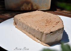 Inghetata Mousse au Chocolat   Retete culinare cu Laura Sava - Cele mai bune retete pentru intreaga familie Mai, Mousse, Sweet Treats, Desserts, Food, Tailgate Desserts, Sweets, Deserts, Candy