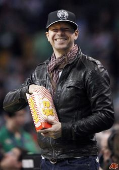 Donnie Wahlberg- Happily eating his popcorn & looking adorable doing it ^_^
