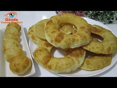 Mayasız, Kabartma Tozsuz❗ Sadece Un ve Su🔊 Simit Şeklinde Kabaran Pişiler Yaptım🙏 - YouTube Onion Rings, Beignets, Doughnut, Bagels, Food And Drink, Bread, Baking, Ethnic Recipes, Desserts