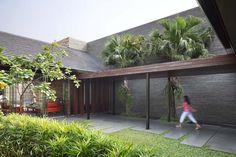 Gallery of Diminished House / Wahana Architects - 5