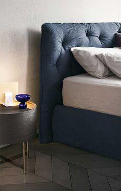 Кровать фабрики Pianca, модель Impunto с низким изголовьем. Отделки ткань, нубук, кожа. #citproject #мебельназаказ #мебельиталии #дизайн #подбормебели Sofa, Couch, Furniture, Home Decor, Homemade Home Decor, Sofas, Home Furnishings, Interior Design, Couches