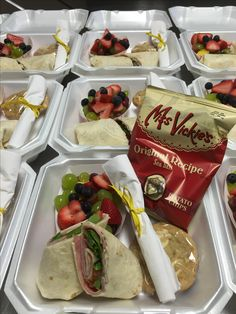 Gourmet Boxed Lunch Catering by Debbi Covington Beaufort SC Boxed Lunch Catering, Catering Buffet, Catering Food, Catering Events, Catering Display, Corporate Caterers, Catering Trailer, Party Catering, Catering Ideas