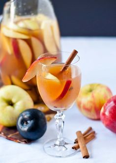 Autumn Sangria - 1 bottle of pinot grigio, 3 cups apple cider + ¼ cup maple syrup whisked in (the maple syrup part is optional) 1 cup club soda ½ cup bourbon 4 cinnamon sticks 2 apples, chopped 2 pears, chopped 2 plums, chopped Sangria Recipes, Fruit Recipes, Fall Recipes, Holiday Recipes, Drink Recipes, Apple Pie Sangria, Fall Sangria, Apple Cocktails, Fun Drinks
