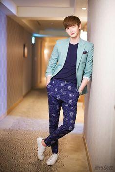 イ ジョンソク…Korea actor&model                                     何を着ても186cmの長身で着こなす今どき萌え男子!    「犬か猫かでいえば、僕は間違いなく犬タイプです。 人見知りだけど、親しくなると愛嬌たっぷりになるし、さみしがり屋 […]