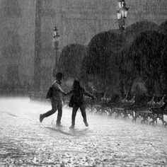 Night Aesthetic, Couple Aesthetic, Character Aesthetic, Aesthetic Photo, Aesthetic Pictures, Slytherin Aesthetic, Photo Couple, Cute Couple Pictures, Dancing In The Rain