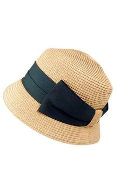 Sombrero Cloché o Sombrero de Campana hecho en paja.