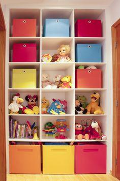 Nichos para guardar os brinquedos