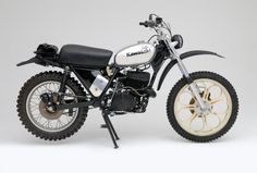 Factory Kawasaki I.S.D.T. bike dated to the mid 70's. The engine was a modified KX450, the chassis was a factory one-off, and it featured disc brakes. Hideous.
