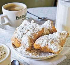 "Cafe du Monde BEIGNETS ** New Orleans ""donuts"" ** dusted with powdered sugar ** use your bread machine or mixer with bread dough hook * fried puffs ** recipe and photo from Cafe du Monde Beignets, Beignet Recipe, Puff Recipe, Recipe Box, A Food, Food And Drink, Brunch Recipes, Yummy Recipes, What To Cook"