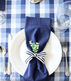 Navy and white striped ribbon makes a great napkin ring. Coastal Farmhouse, Farmhouse Style, Bridal Shower Luncheon, Moon Party, White Napkins, White Springs, Derby Party, Spring Sign, Dining Decor