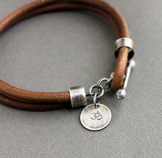 Hombres de cuero pulsera rústica Natural marrón por LynnToddDesigns
