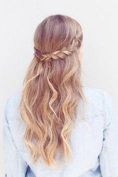 Cutest and Most Beautiful Homecoming Hairstyles ★ See more: http://glaminati.com/homecoming-hairstyles-medium-long-hair/