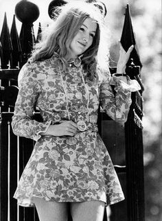 Those Were the Days: 22 Black and White Photographs of a Young and Beautiful Mary Hopkin in the and ~ vintage everyday 1960s Fashion, Vintage Fashion, Women's Fashion, Dune, Nostalgia, Girls Slip, Those Were The Days, I Love Girls, Young And Beautiful