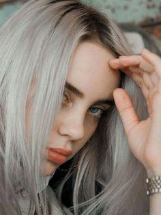 Listen to every Billie Eilish track @ Iomoio Billie Eilish, Pretty People, Beautiful People, Amazing People, Grunge Hair, Girl Crushes, Beauty, Idol, Singers