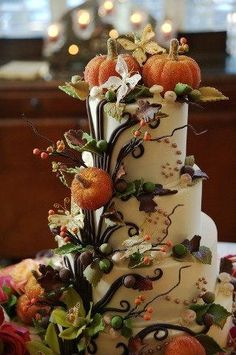 Halloween Theme - Look at this beautiful Halloween cake. Those pumpkins look wonderful. Can it be Halloween now, please? And can I have this cake, please?