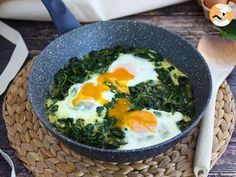 Creamed Spinach, Baby Spinach, Chefs, Pesto, Omelette, Main Dishes, Low Carb, Eggs, Healthy Recipes