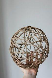 this blog i follow: yarn balloons...