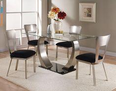 Обеденный стол на кухню стеклянный