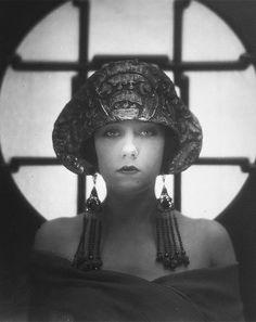 fawnvelveteen: Gloria Swanson by Karl Struss 1922