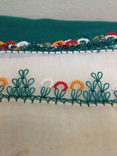This Pin was discovered by şer Needle Tatting, Needle Lace, Bobbin Lace, Drawn Thread, Thread Work, Point Lace, Japanese Embroidery, Lace Making, Needlepoint
